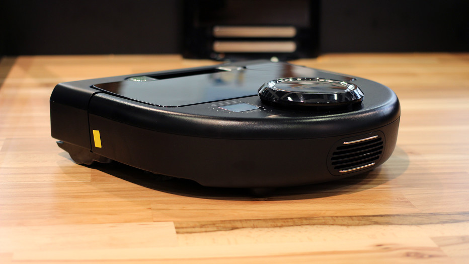 Top 10 Robot Vacuums 2016 - Neato Botvac Connected